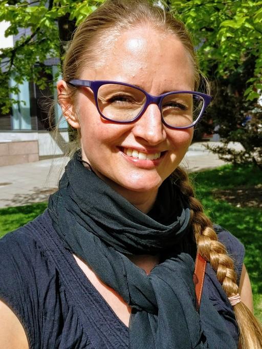 A picture of Eeva-Lotta Apajalahti